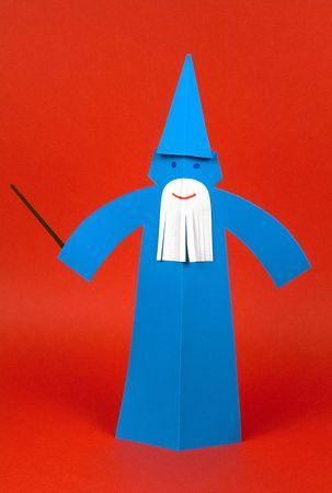 mago merlin: un Macician Merlin hecha con papel, origami  Foto de archivo