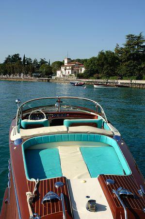 Gardone Riviera (Bs), lago de Garda, Lombardía (Italia), una reunión de speedboad vintage Riva  Foto de archivo - 5574275