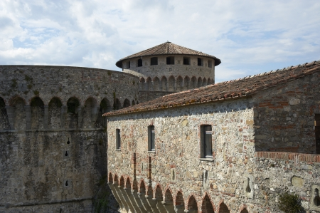 Sarzana (Sp), Italia, la fortaleza Foto de archivo - 19934763