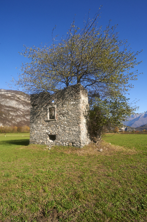 farm building: Breno (Bs),Valcamonica, Italy, remains of an old rural farm building