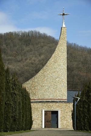 chiesa: Padergnone (Bs), la chiesa del Cristo Risorto, del 2008