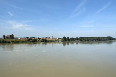 revere: Revere  (Mn),Italy, the River Po