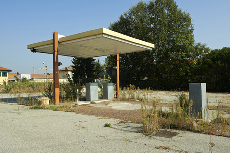 disuse: Gorgonzola (Mi), Italy, an old abandoned gas station in disuse