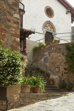 Castagneto Carducci (Li), un angolo del paese