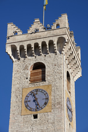 트 렌토, 이탈리아, 토성 Civica 델 XII secolo의 12 번째 centuryla의 시민 타워