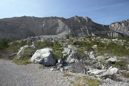 Dro (Tn), Italy, the Marocche from Dro, 210 million years ago Foto de archivo - 100002738