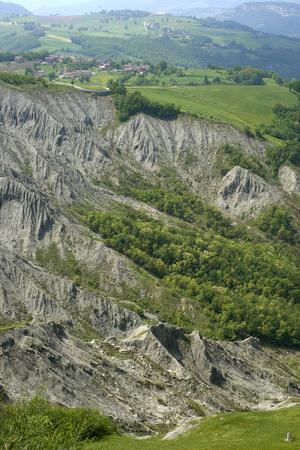 Canossa (Re),Italy, the gullies near the cliff of the castle of Matilde of Canossa Foto de archivo - 101261737