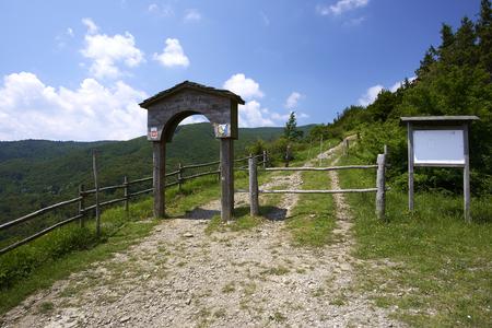 Pass Cisa (Pr), Italy, the medieval Francigena way Foto de archivo - 105940511