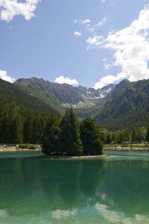 Ponte di Legno (Bs), Italy,the Valbione lake Foto de archivo - 104981566