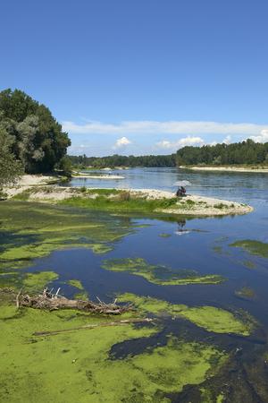 Vigevano  (Pv),Italy, the river Ticino Foto de archivo - 106360883
