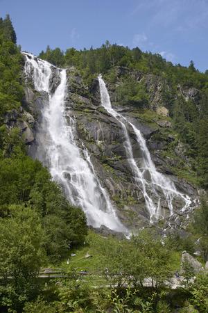 Carisolo, Val di Genova (Tn), Italy, the Nardis Cascade Foto de archivo - 112600262