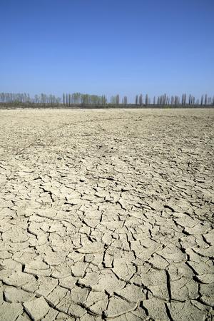 The dry Po river caused the drought, Portiolo (Mn),Italy Foto de archivo - 122848043