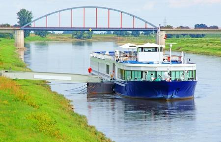 excursion: excursion boat