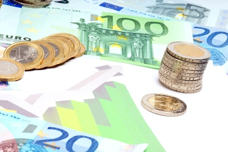 essentially: Euro Banknotes and Euro Coins with a Statistics