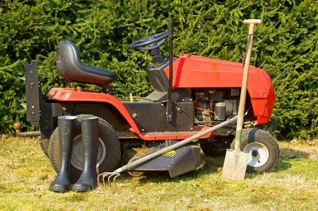 lawn mower: Garden tools and lawn mower