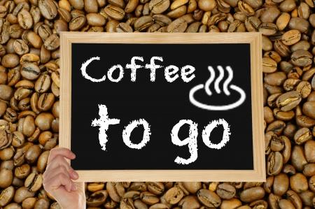 caf� � emporter: tableau noir - caf� pour aller Banque d'images