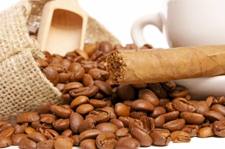 Coffee beans and cigar Stock Photo - 16740985