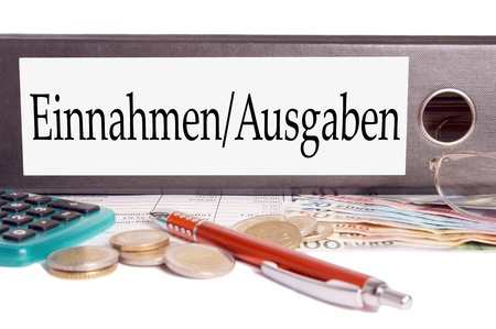 budgetary: file folder with the german words Income and expenditure
