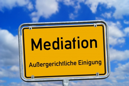 argumentative: Shield with the german word Mediation