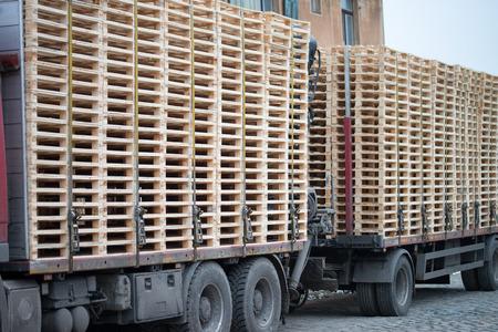 Wooden pallets on a truck Reklamní fotografie