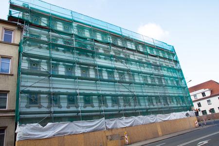andamios: Andamio en una fachada del edificio