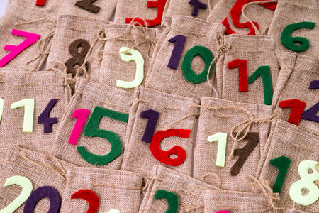 tinkered: Advent Calendar of many jute bags