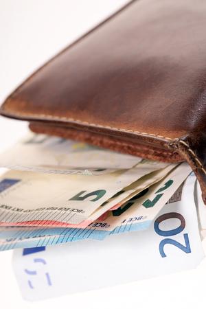 banconote euro: Portafoglio con molte banconote in euro