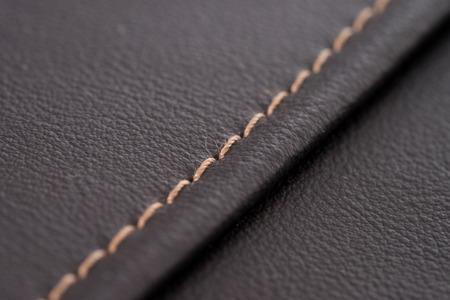装飾的な縫い目のミシンと縫製