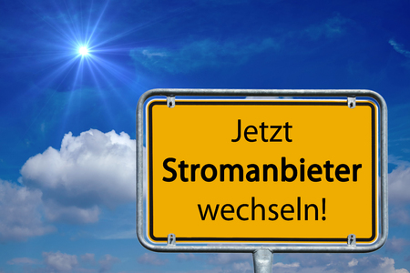 tariff: Street sign with the german words switch electricity providers now