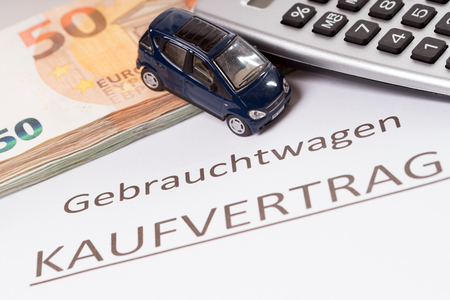 Used cars with euro money and purchase contract Standard-Bild - 101064266