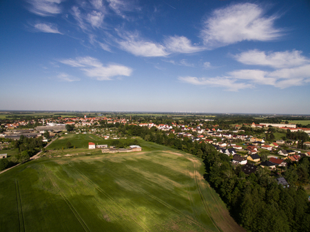 Aerial view of a city with blue sky Standard-Bild - 101973521