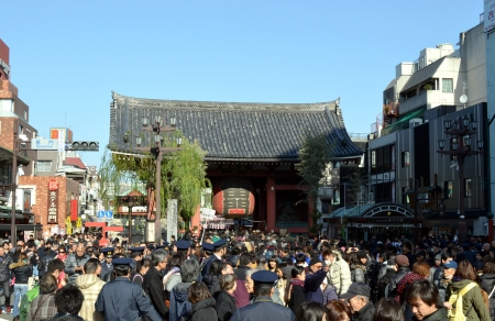 January 2, 2013   Tokyo Asakusa in which many people gathered for the first visit in the year to a shrine   Senso-ji   Kaminari-mon