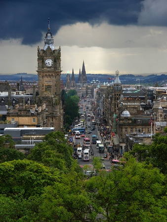 princes street: Princes Street in Edinburgh