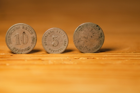 Münzen Standard-Bild - 24232825
