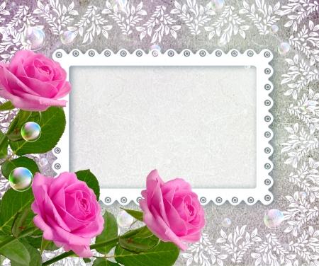 Fondo del grunge Vieja con rosas y marco openwork Foto de archivo - 17825849