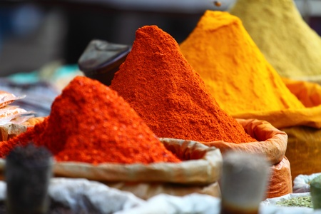 moroccan: Traditional spices market in India.