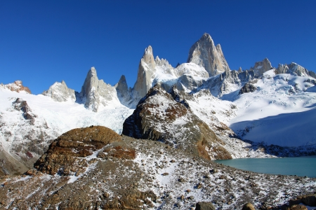 cerro chalten: Beautiful nature landscape with Mt. Fitz Roy as seen in Los Glaciares National Park, Patagonia, Argentina