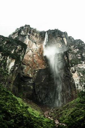 Angel Falls ( Salto Angel ) is worlds highest waterfalls (978 m), Venezuela ( HDR image ) Stock Photo - 17147525
