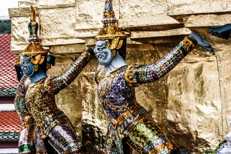 Traditional Thai architecture Grand Palace Bangkok ( HDR image ) Stock Photo - 17158345