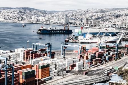 Panoramic view on Valparaiso, Chile, UNESCO World Heritage. ( HDR image ) Stock Photo - 17713843