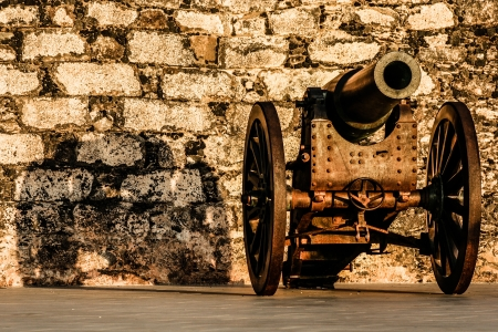 gunnery: Ancient cannon on wheels
