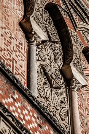 �rabe arcos en la ciudad española de Córdoba, símbolo de la dominación árabe en la Edad Media, de estilo mudéjar. Foto de archivo - 17835404