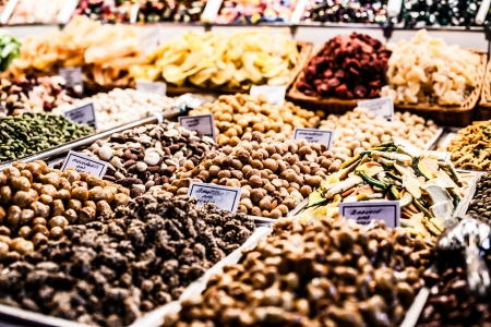 boqueria: Fruits stand in La Boqueria market, Barcelona Spain