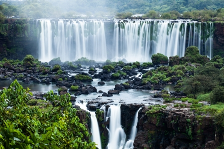 Iguassu Falls, the largest series of waterfalls of the world, located at the Brazilian and Argentinian border, View from Brazilian side  Standard-Bild