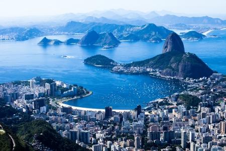 Rio de Janeiro, Brazil. Suggar Loaf and Botafogo beach viewed from Corcovado Standard-Bild