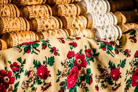 highlander: Tradicional polaca queso ahumado oscypek en el mercado al aire libre en Zakopane