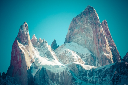 campo de hielo sur: Beautiful nature landscape with Mt. Fitz Roy as seen in Los Glaciares National Park, Patagonia, Argentina