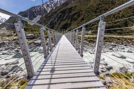 hooker: Bridge over Hooker River in Aoraki national park New Zealand