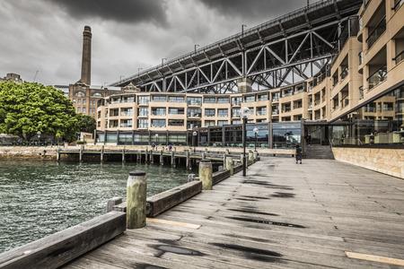 sydney australia: Sydney Harbour Bridge in a quiet spring sunrise in Sydney, Australia