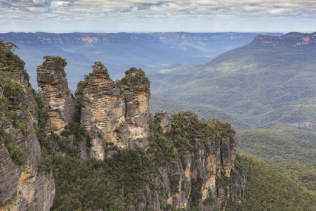 rock formation: The famous Three Sisters rock formation in the Blue Mountains National Park close to Sydney, Australia Stock Photo